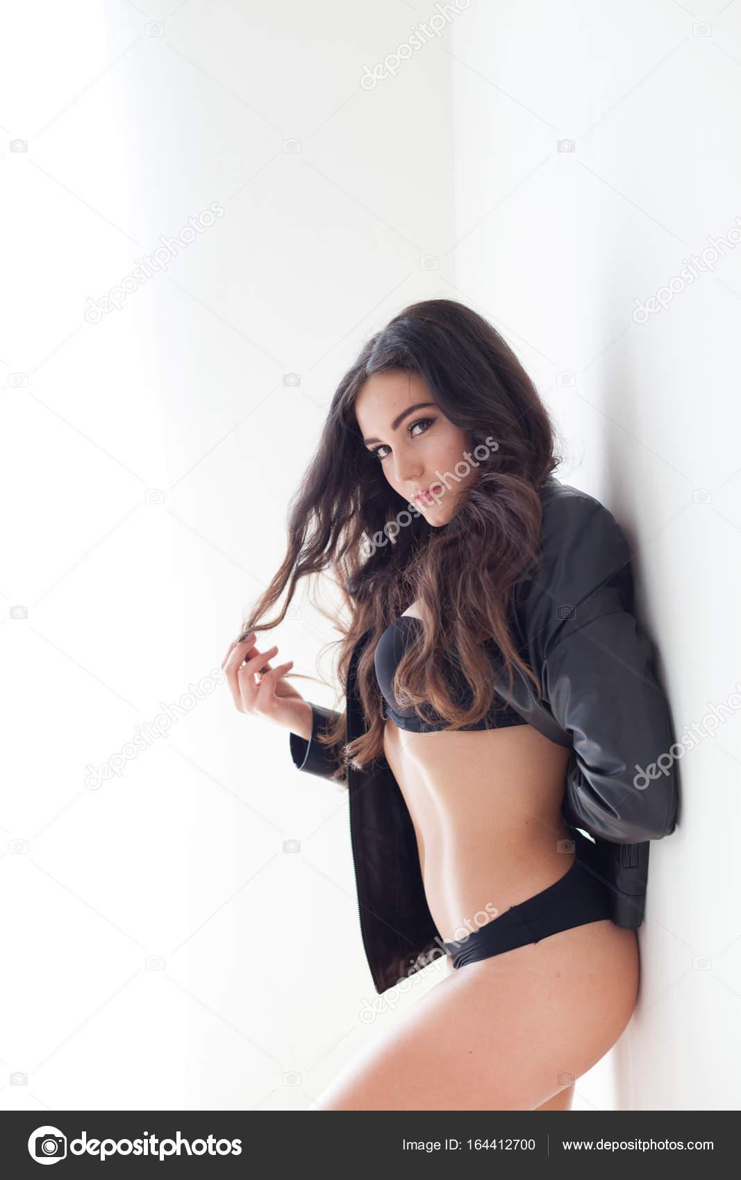 Девушки в кожаных куртках эротическое фото, эротические девушки секс видео в новый год