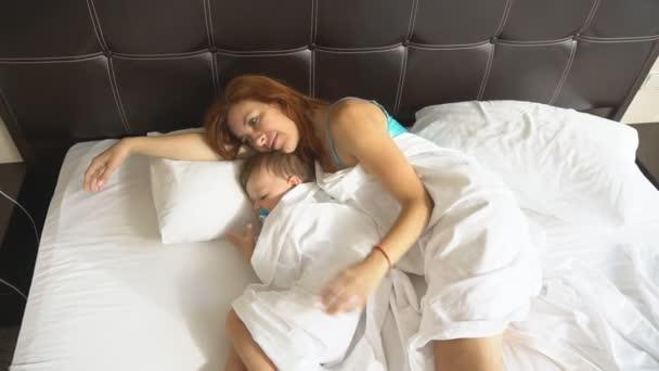 молодых мамочки утром в постели тому порнопроизведениях, как