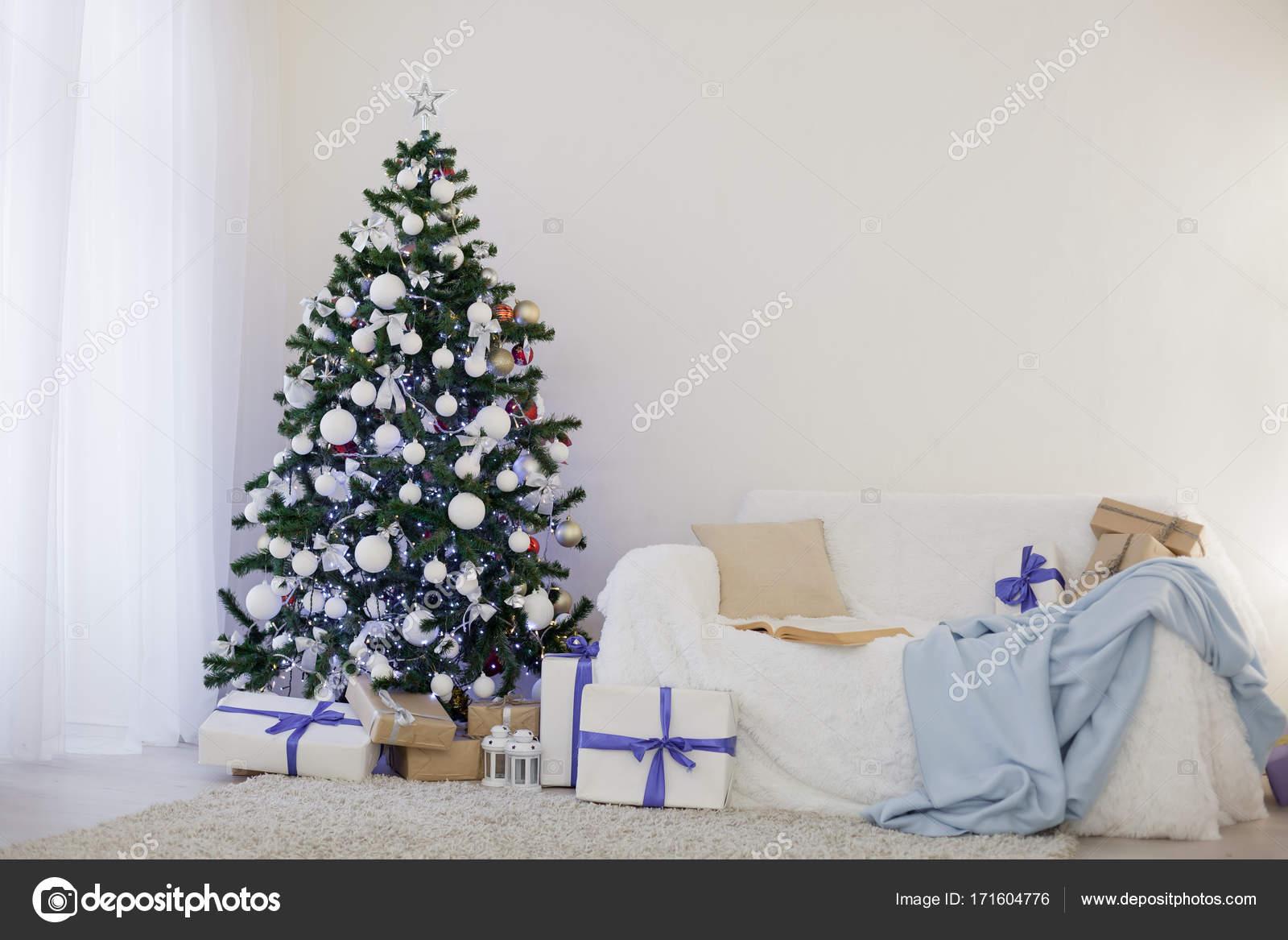 Decorazioni Per Casa Di Natale : Albero di natale decorazioni per la casa u foto stock dsimakov