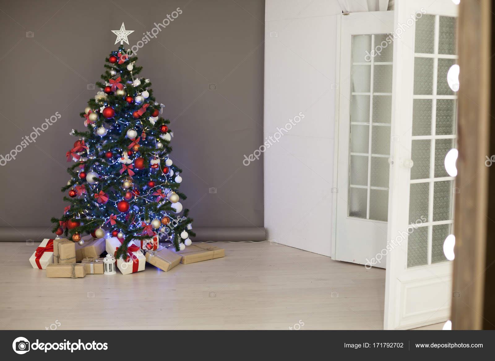 Weihnachtsdeko Geschenke.Weihnachtsdeko Weihnachtsbaum Geschenke Weihnachten Stockfoto