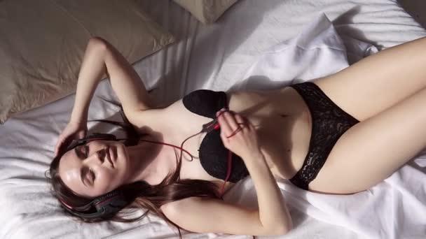 Девушки на дискотеке в нижнем белье видео, спакес с берковой порно