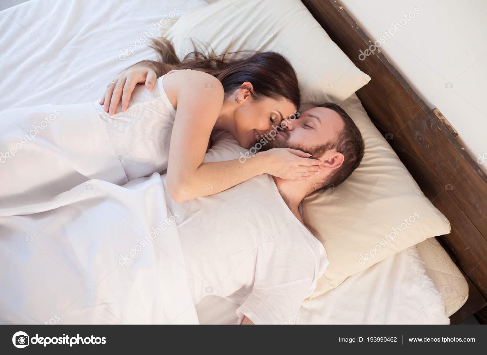 нас всегда опера фотки жены спят а их имеют нужно