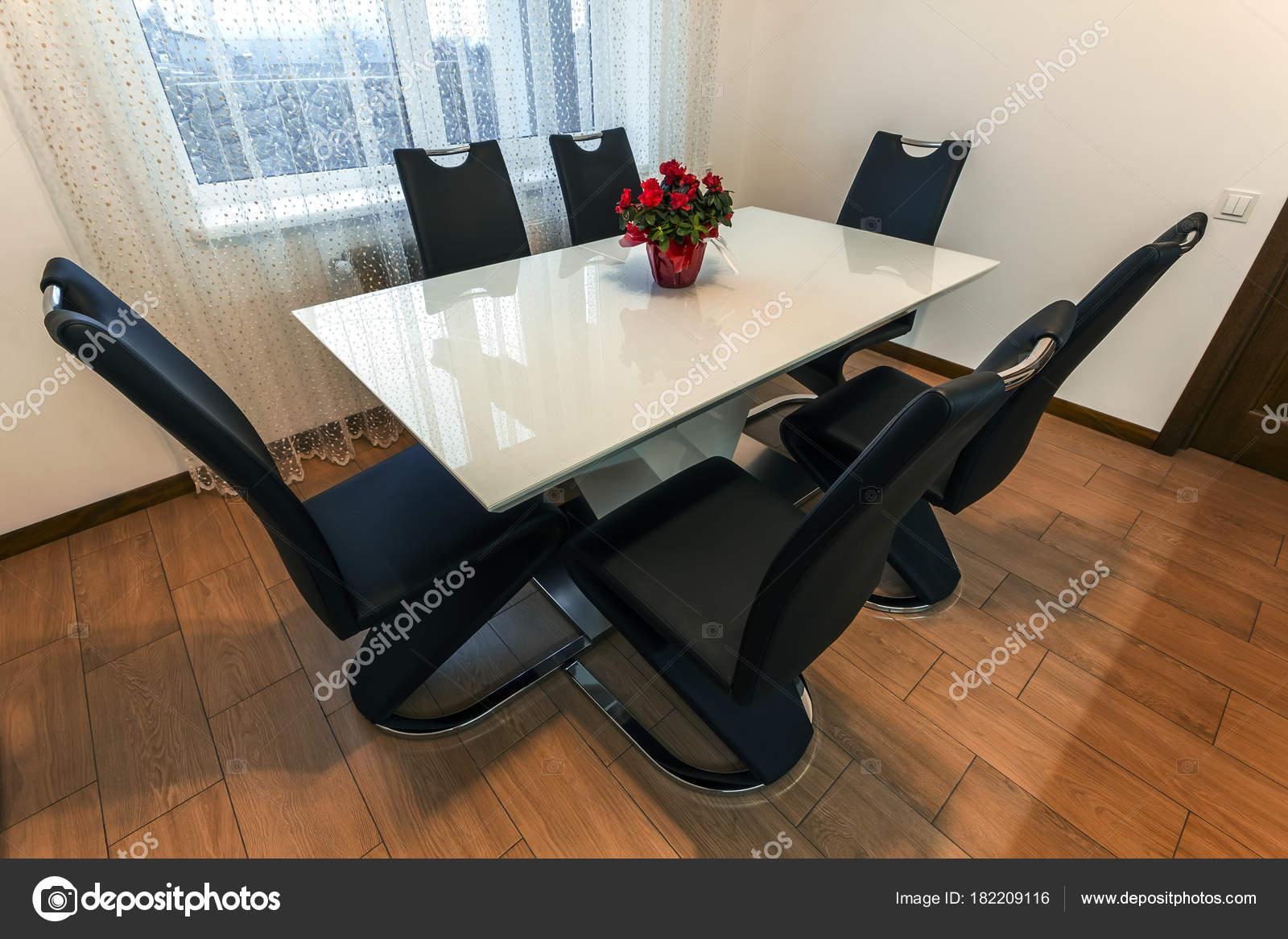 Sedie Per Tavolo Di Vetro.Bianco Legno Vetro Rotondo Tavolo Pranzo Con Sei Sedie Design Foto