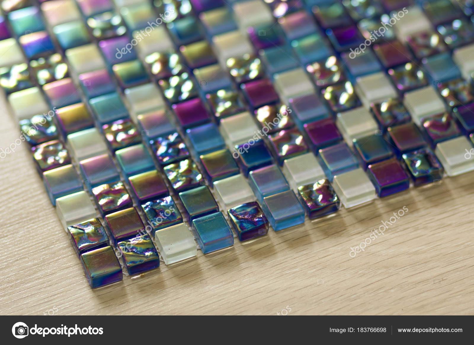 Geometrico blu viola e verde mosaico piastrelle disegno