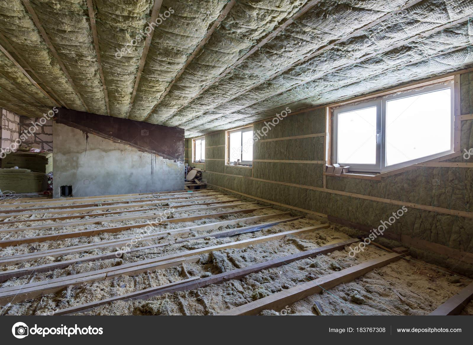 Combles De Maison En Construction Mansard Murs Et Isolation Du
