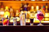 Fotografie Sada koktejlů v baru