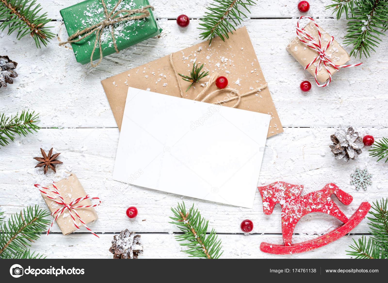 Weihnachten-Komposition mit leeren Grußkarte. Tanne Äste, Pferd ...
