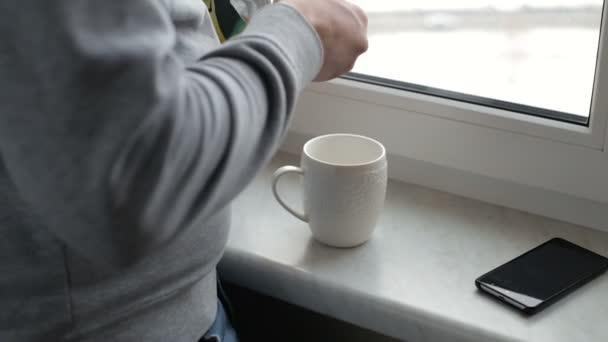 Ömlött a víz a kávé-kupa