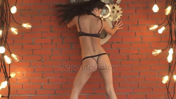 Una Ropa Sexy Modelo De Bailando Cuerpo Primer Plano DesnudaCámara Está Lenta Atractiva MueveChica Bailarina Se InteriorHermoso SexyCulo Mujer En Hermosa strhQdC
