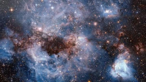 Hvězdné mlhoviny. Galaxie ve vesmíru. průzkum vesmíru. poli hvězd a mlhoviny v prostoru