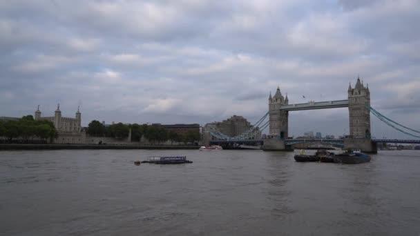 Londýn / Anglie - 19. září, 2016:Tower most v Londýně, Velká Británie