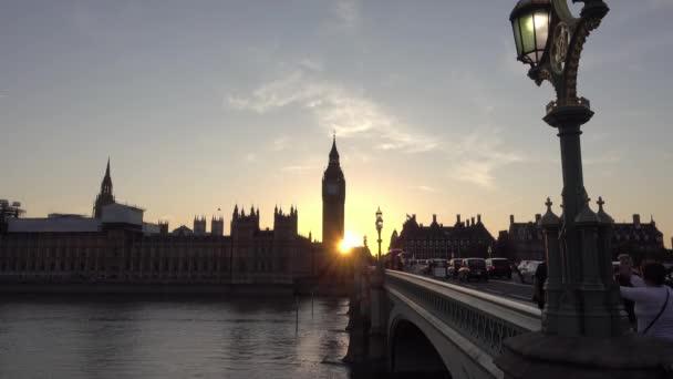 Londýn / Anglie - 19. září 2016: hodinová věž Big ben