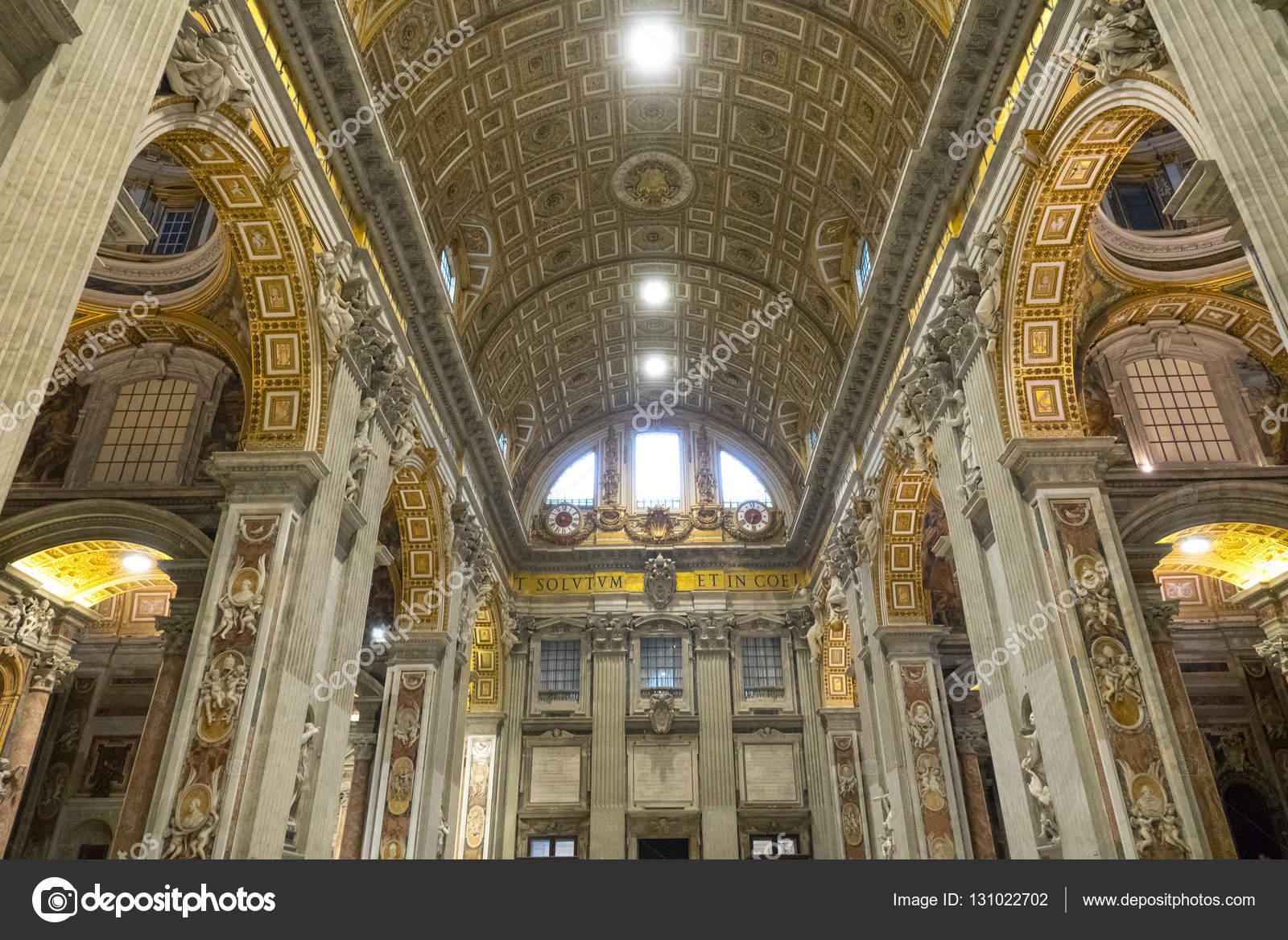 Maravilhosa Basílica De São Pedro Em Roma