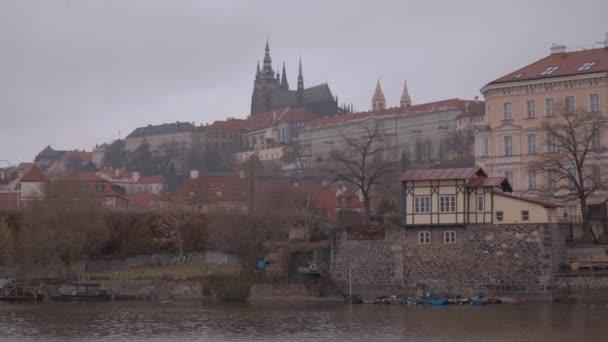 Slavná řeka Vltava v Praze - Česká republika - 20. března 2017