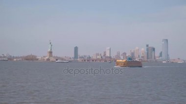 View from Stateb Island Ferry over the skyline of Manhattan