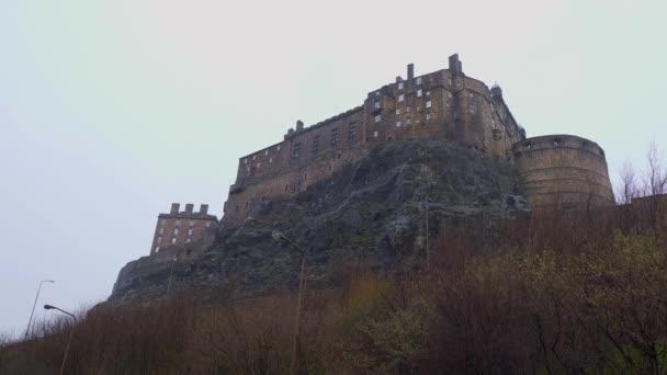 Edinburgh Castle on Castlehill in the historic district - Edinburgh, Egyesült Királyság - január 10, 2020