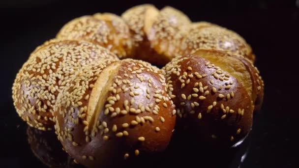 Lye rolls with sesame seeds