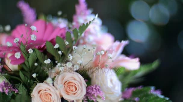 a fénysugarak, forgatás, a közeli, virág csokor virág kompozíció áll, gerbera, Eustoma, Rózsa Krisztina, krémes, Alstroemeria, solidago, gypsophila Arachniodis Rose.