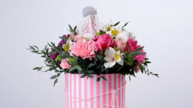 Virág, csokor, forgatás, fehér háttér, virág kompozíció áll, gerbera, Tulip zongora, Santini, Alstroemeria, Rózsa odily, orchidea vanda, eukaliptusz