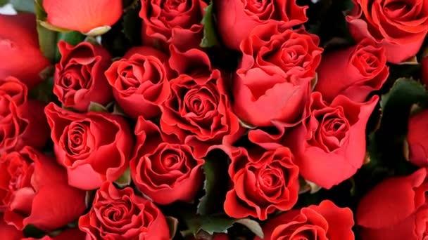detail, pohled shora, květiny, kytice, rotace, květinové kompozice sestává z červené růže el toro. Božská krása