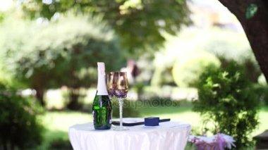 Wedding champagne, champagne for the wedding ceremony. wedding decoration, wedding flower arrangements.