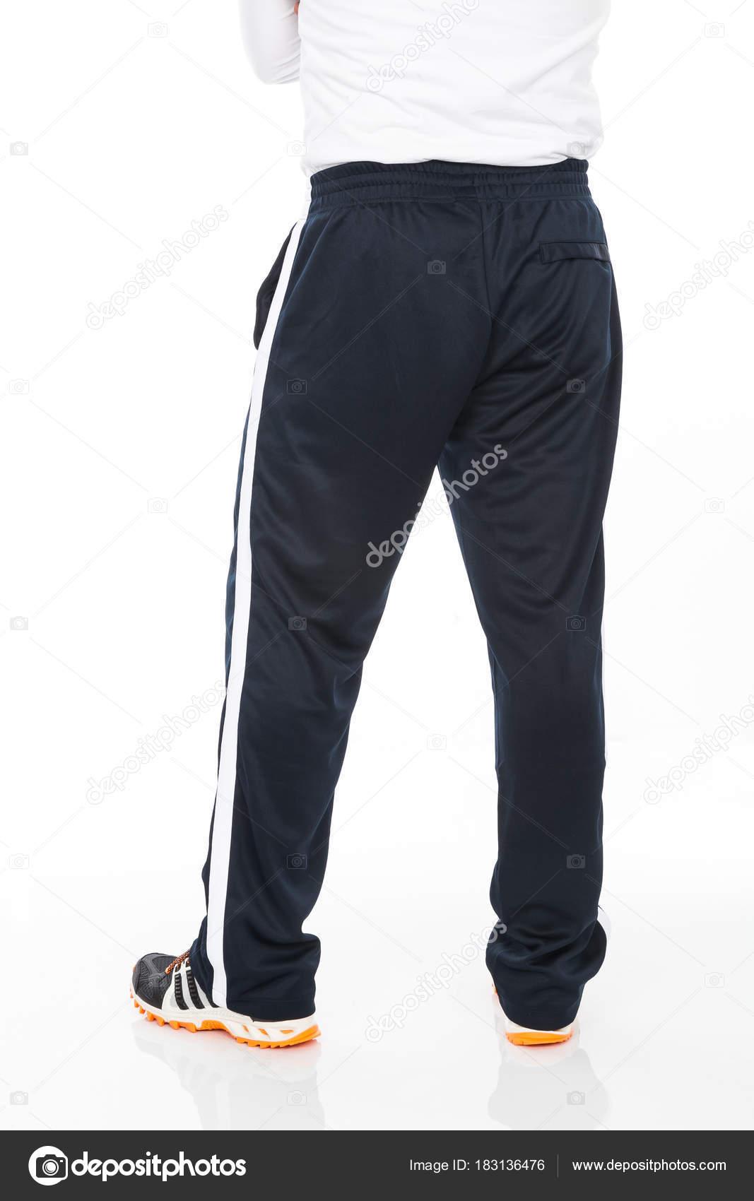 4eb94987b8a8 Μαύρο Σπορ Παντελόνι Λευκό Φόντο Ρούχα Αθλητισμός — Φωτογραφία Αρχείου