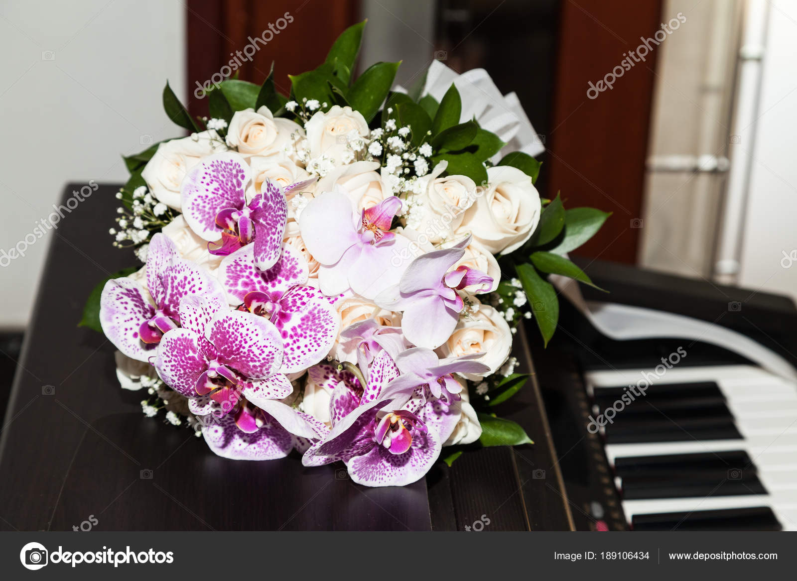 Bouquet Flowers Bride Her Wedding Day Piano — Stock Photo ...