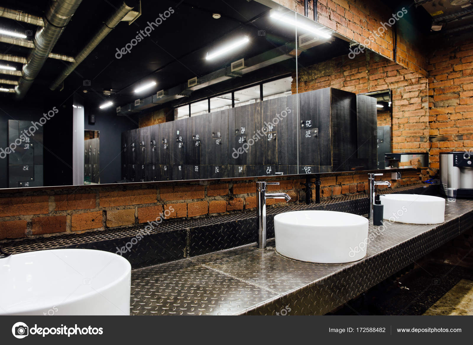 Stilvolle moderne komfortable Ankleidezimmer. Interieur ...