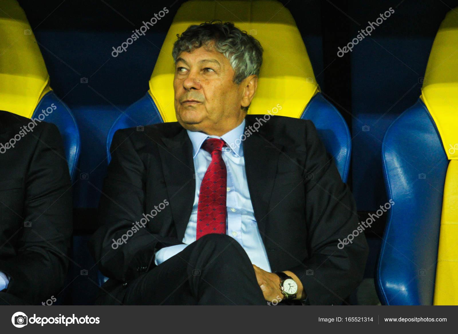 ルーマニアのサッカー コーチ ミ...