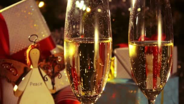 Detail sklenice s champagne - Silvestrovské a vánoční dekorace - 4 k