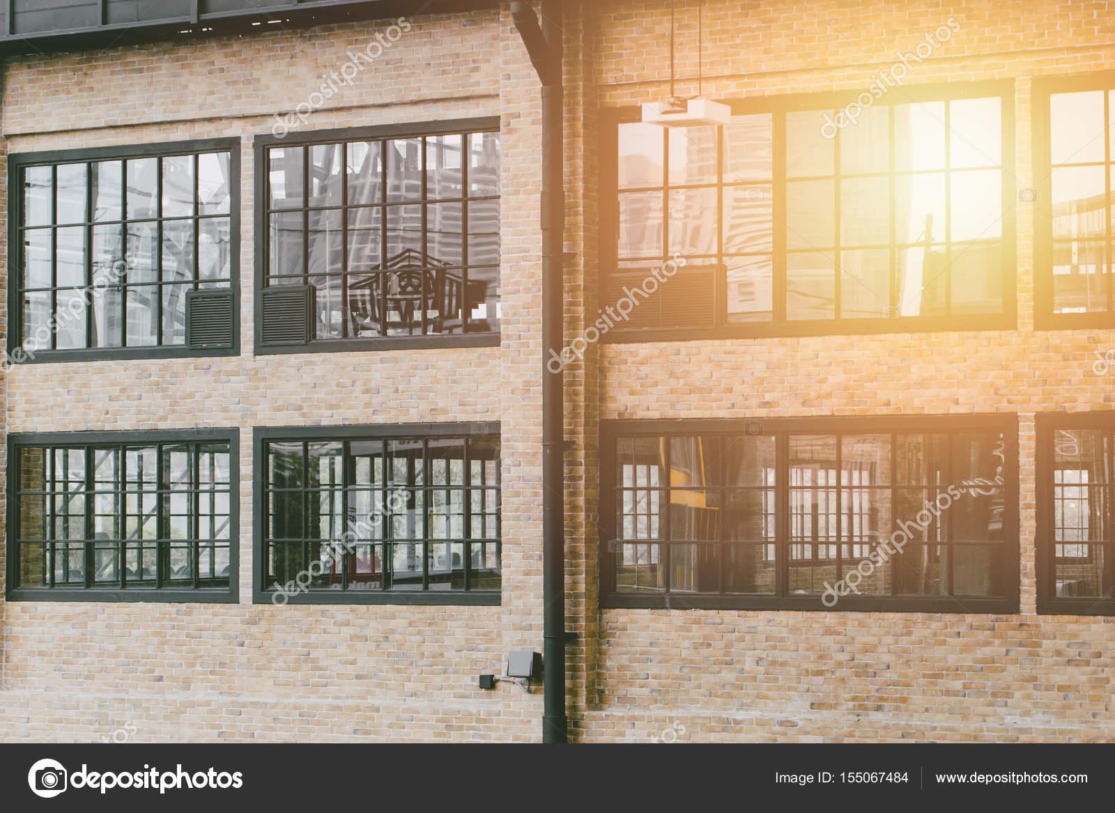 bâtiment moderne de l'industrie. style loft vintage usine