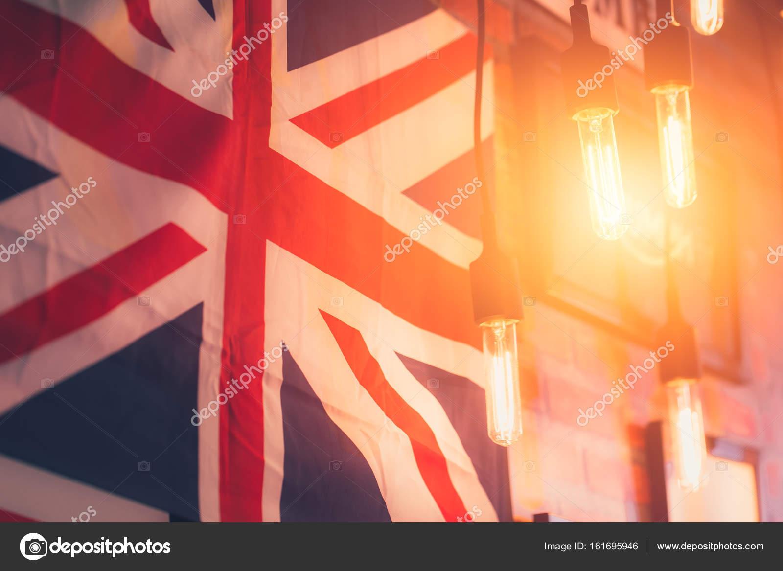 Accrocher L Ampoule Avec Le Drapeau Britannique Style