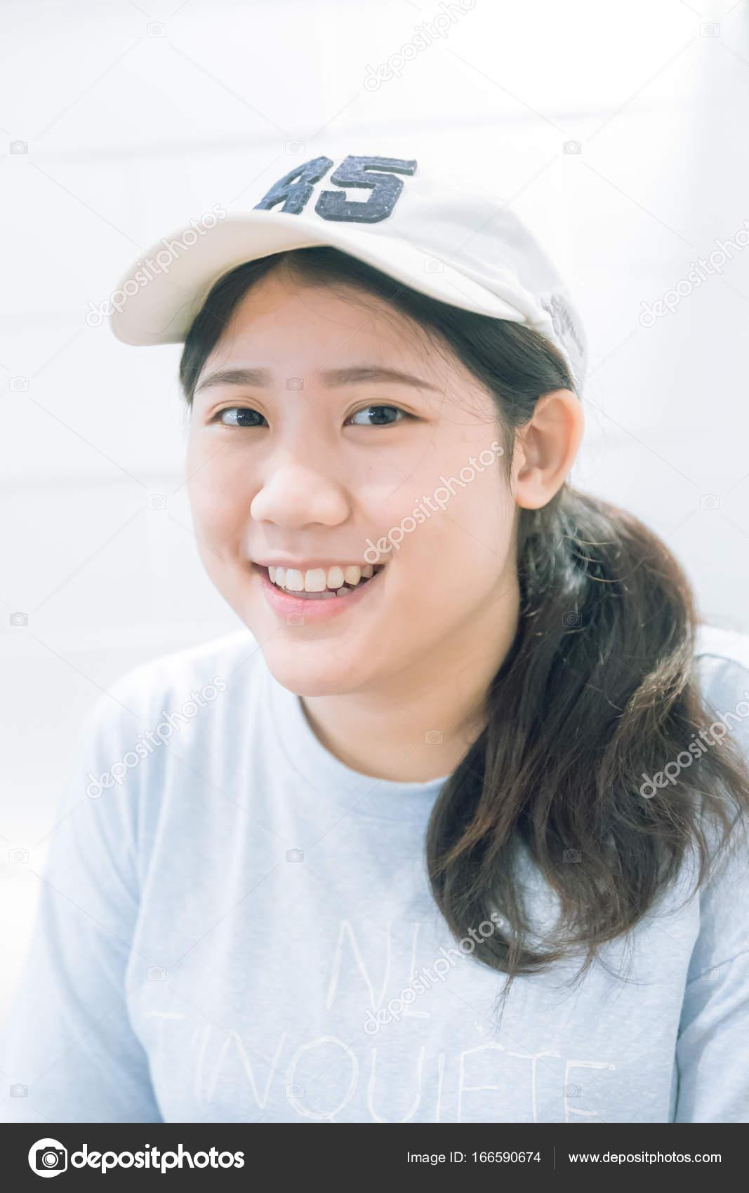 Красивые невинные азиаты