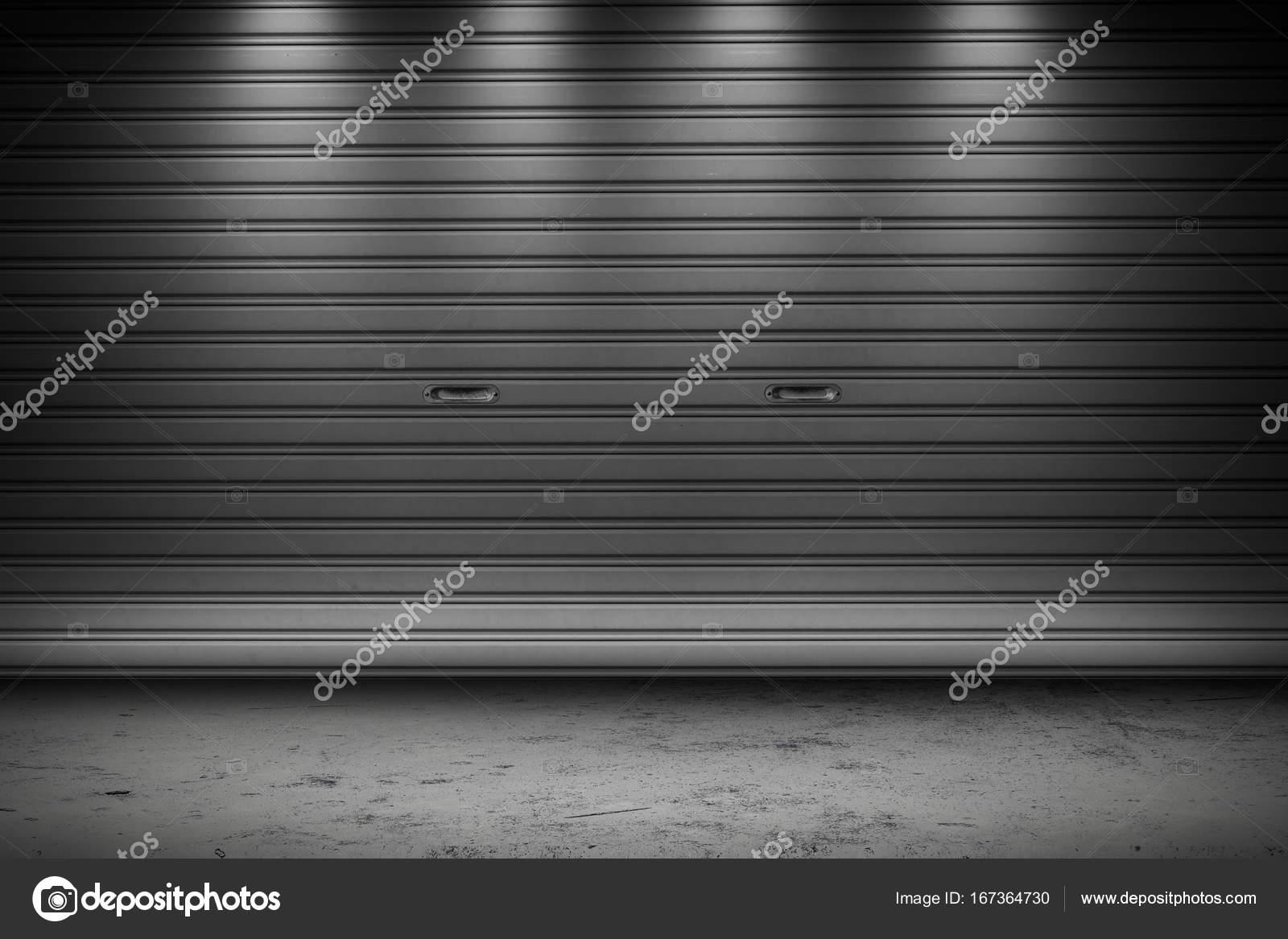 Verlichting Voor Garage : Garage of fabriek opslag gate sluiter roldeuren gebouw met
