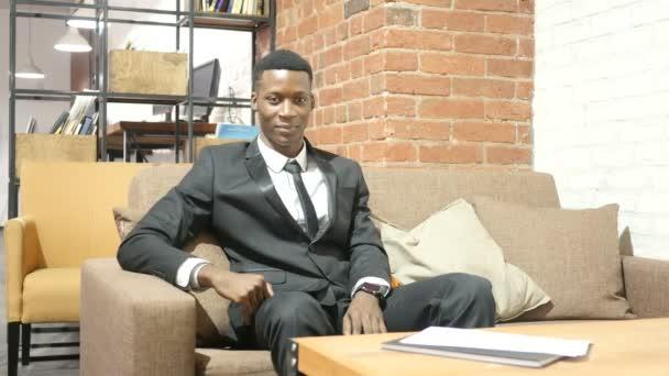Úspěšný podnikatel černý slaví úspěch