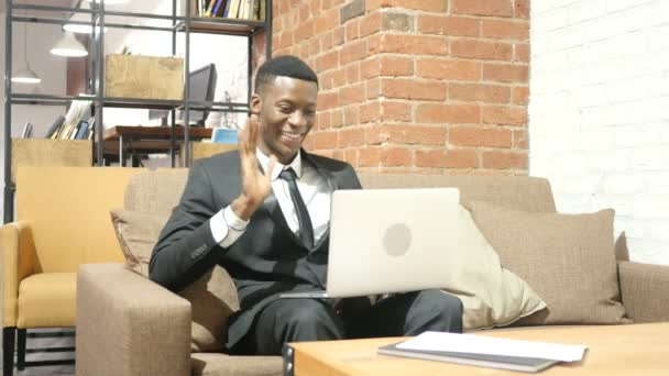 Online Video chat-fekete üzletember, Laptop-kör