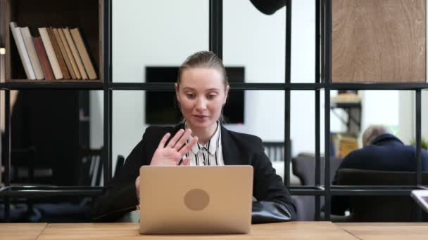 В офисе видео онлайн секс пригласил