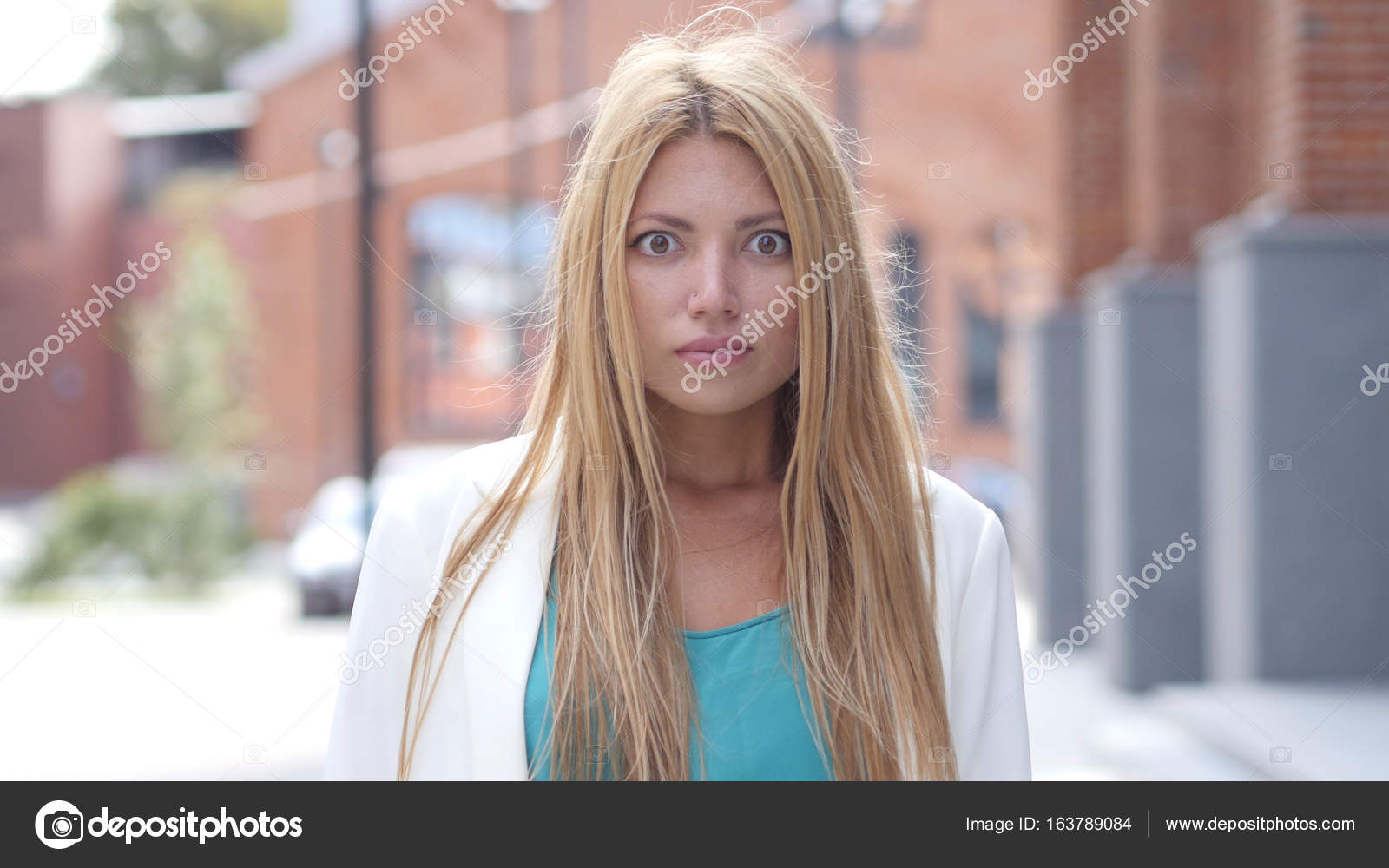 Young teen webcam reaction