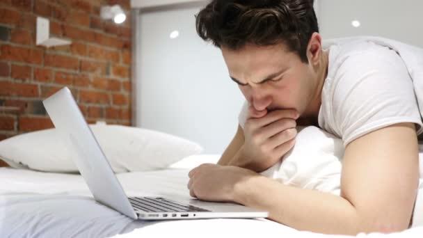 Секс парам на работу через постель видео стюардессы трахаются