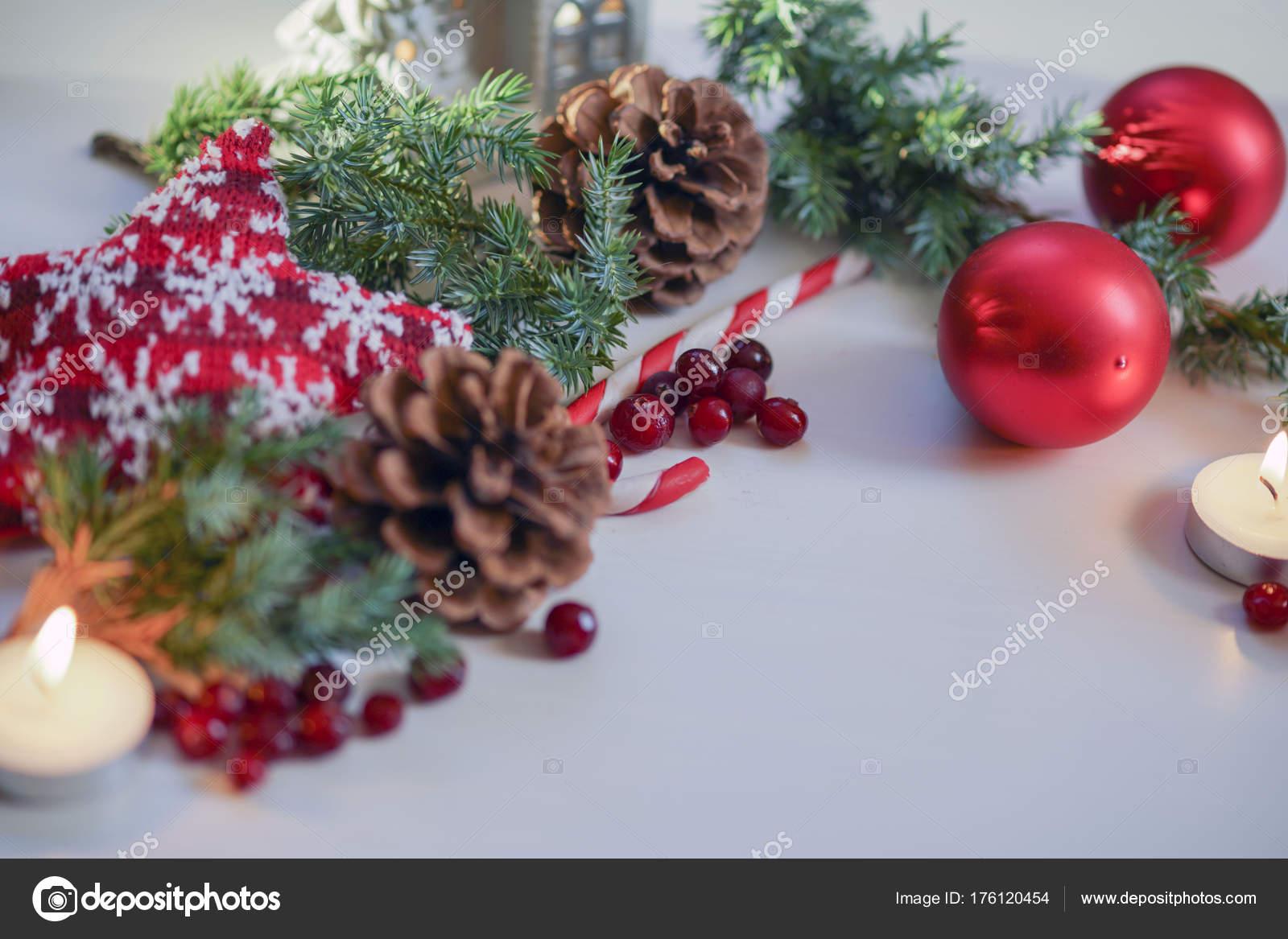 Decoration De Noel 2018 Pour Table Boules De Sapin De Noel Rouge