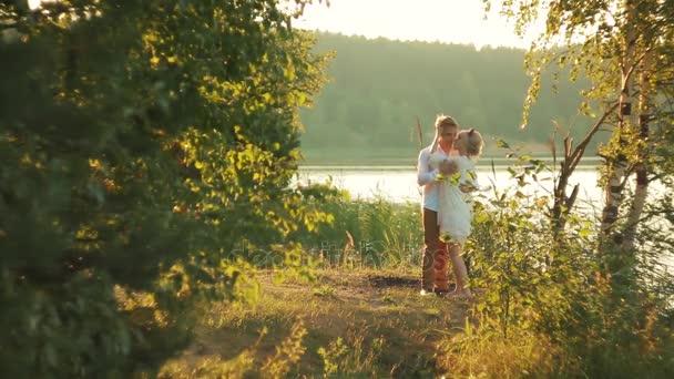 romantický pár v lásce venkovní