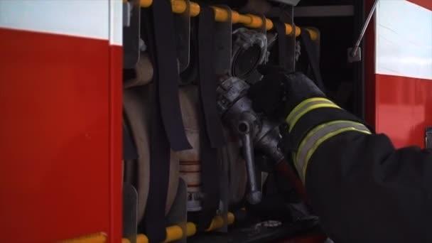 požární hadice na požární stanici
