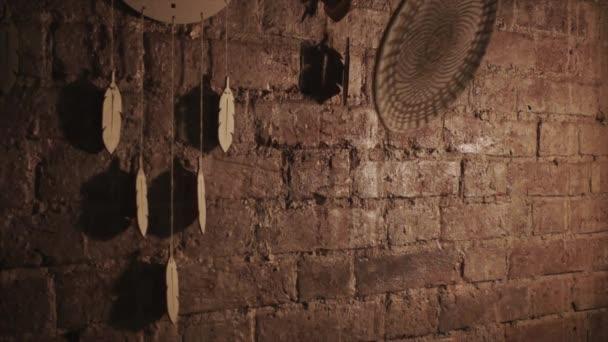 Detail desky pro rozbíjení proti zdi
