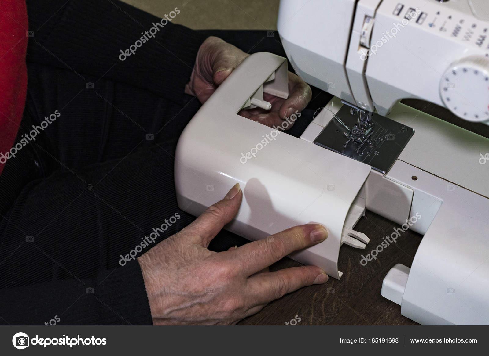 Como Poner Un Carrete En Una Maquina De Coser - Cosas