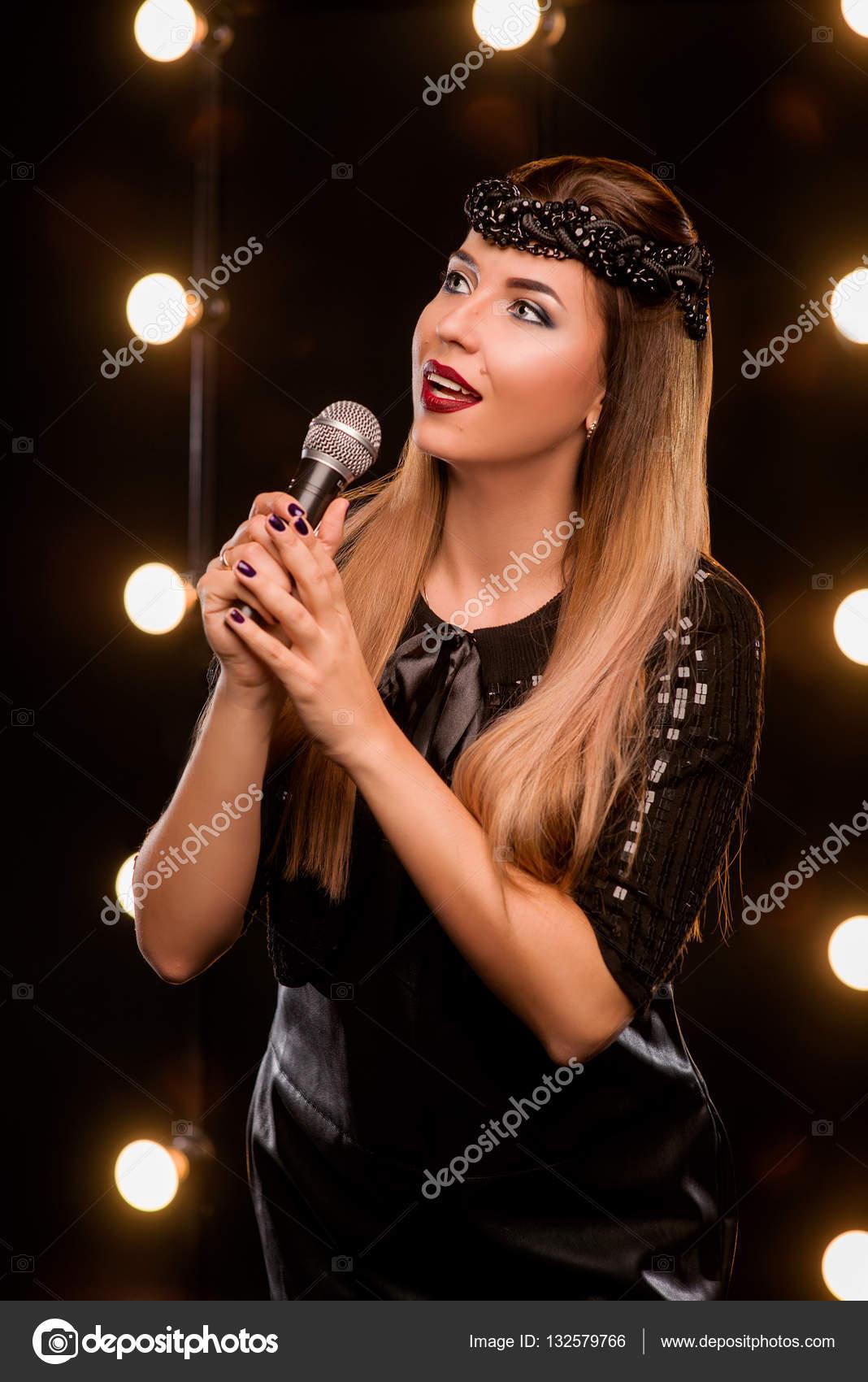 Платья для молодой певицы