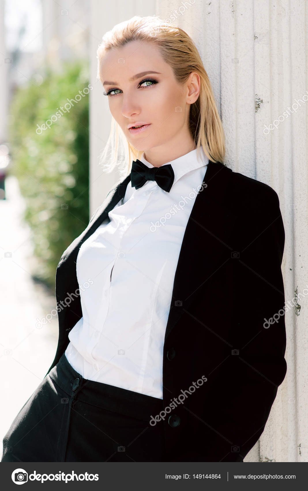 Women Wearing Suit And Bow Tie | www.topsimages.com
