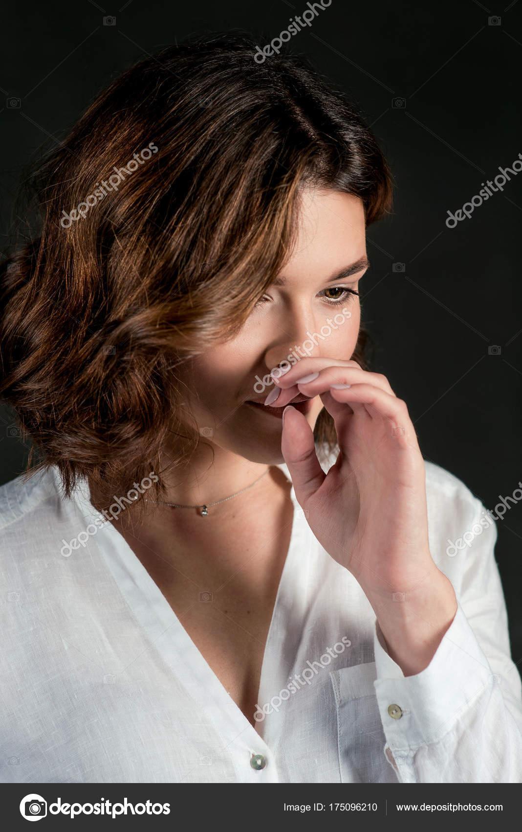 Portraite Der Jungen Schönen Traurige Frau Schauspielerin Mit Kurzen