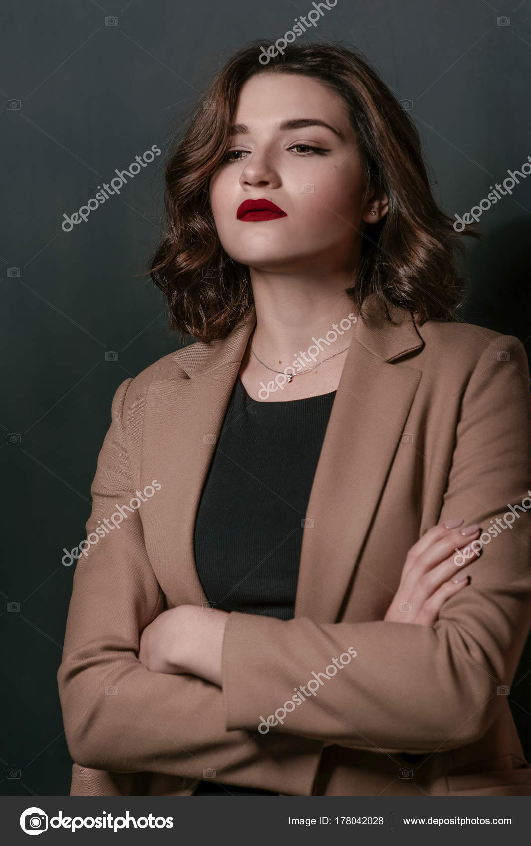 short brown girl hair Young with