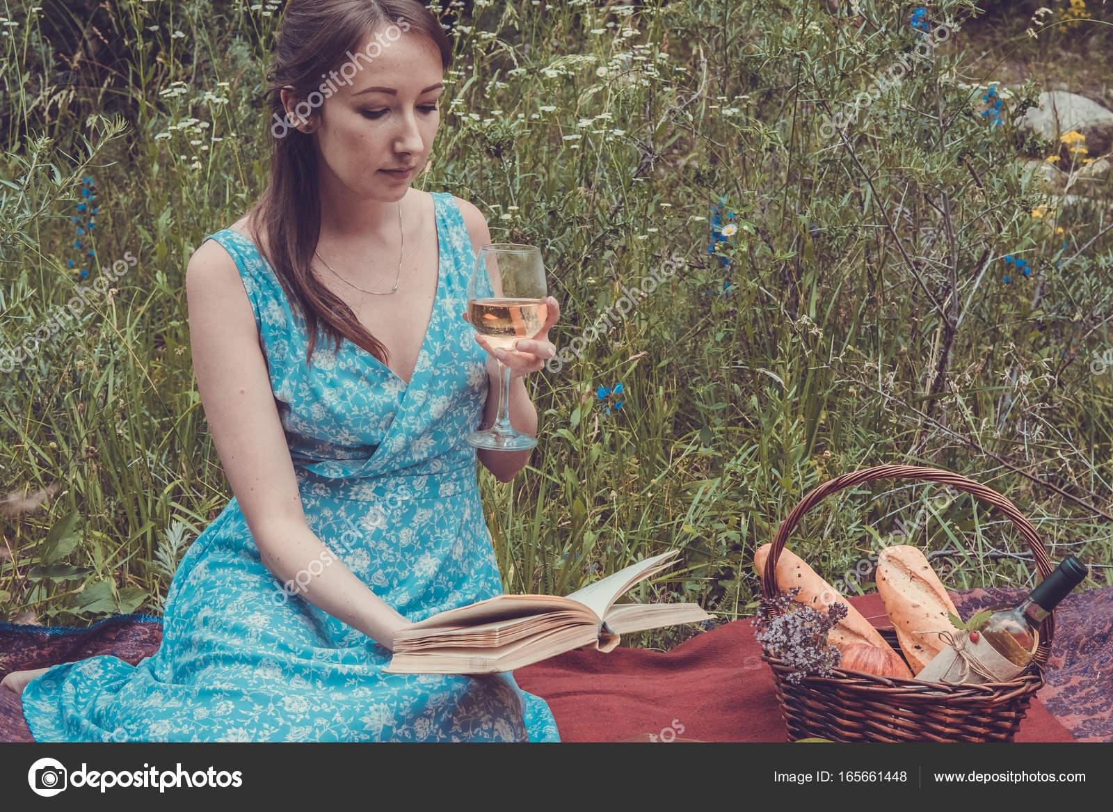 Ler livro o vestido azul