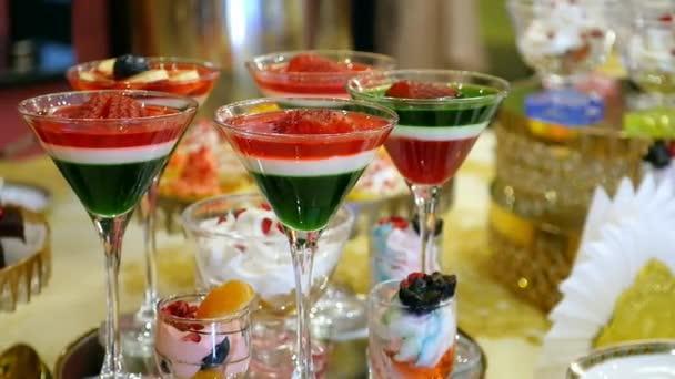 Маленький столик за углом - Том VI - Страница 66 Depositphotos_192059700-stock-video-tasty-colorful-fruit-dessert-jelly